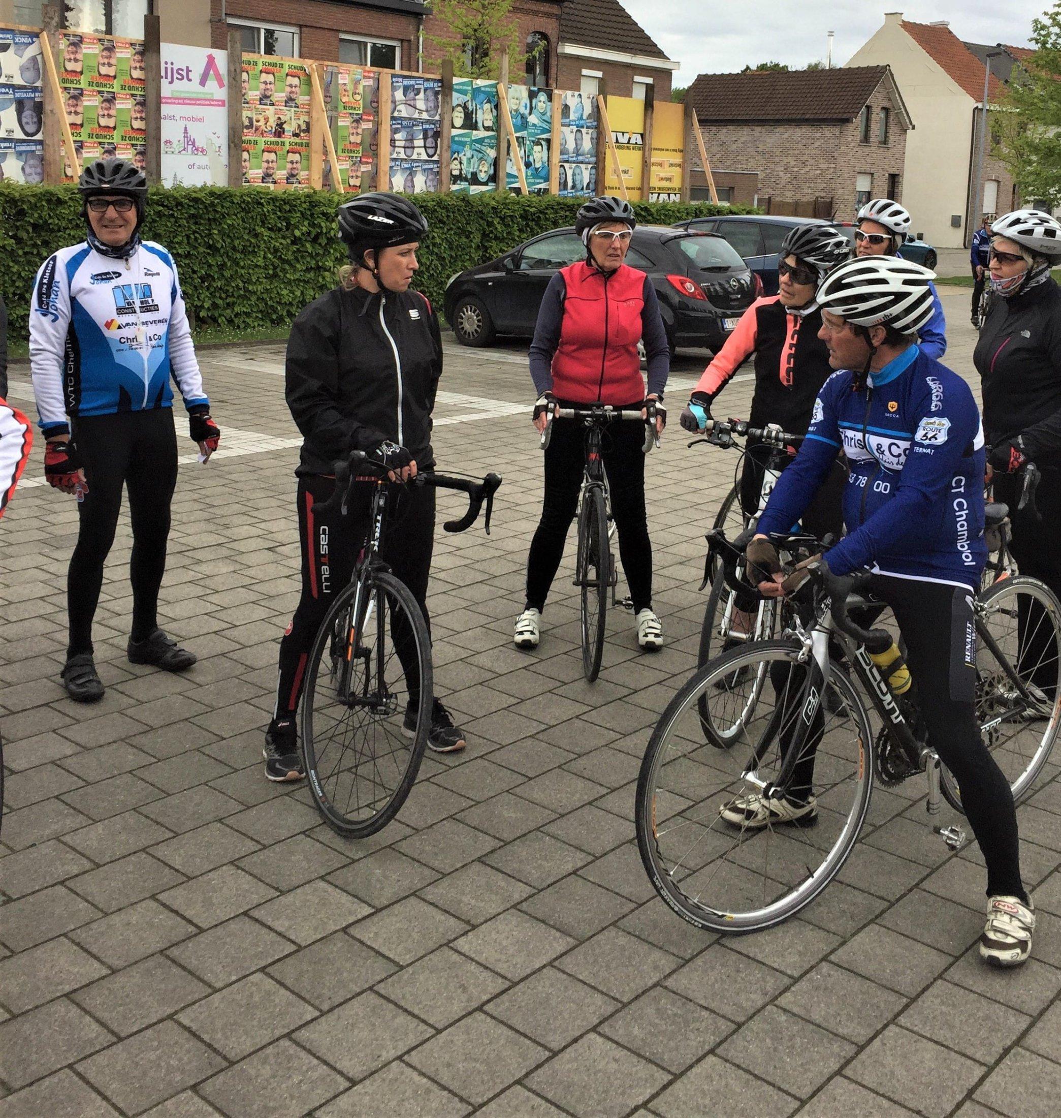 vertrekkersklaar voor een ritje van start to cycle - 3