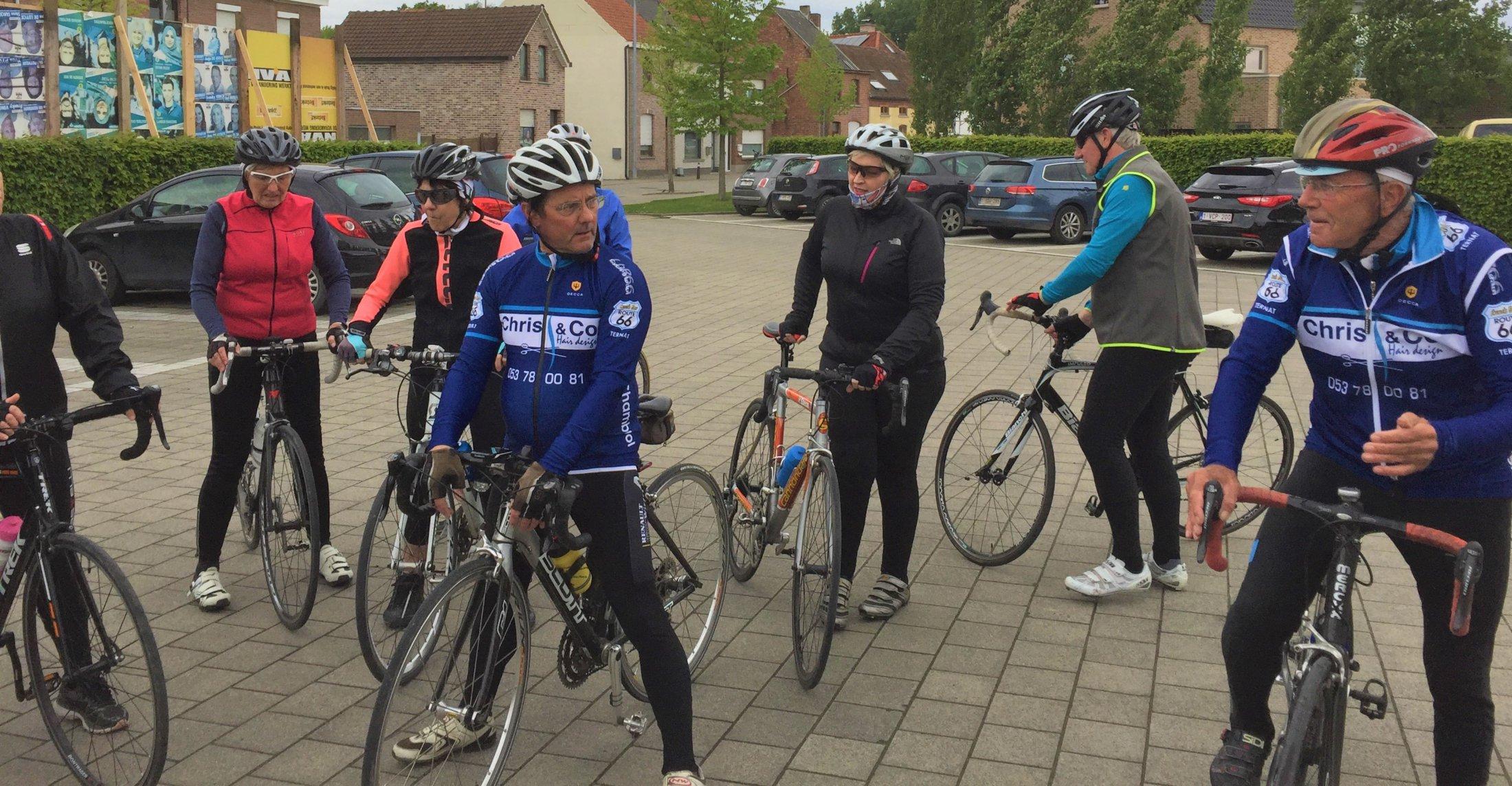 vertrekkersklaar voor een ritje van start to cycle - 4