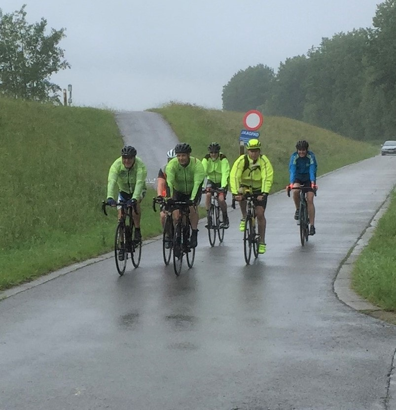 onderweg voor 75 km start to cycle - eerste groep