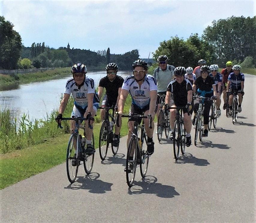 onderweg voor de 75 km van start to cycle